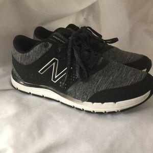 Size 8.5 ladies new balance sneakers